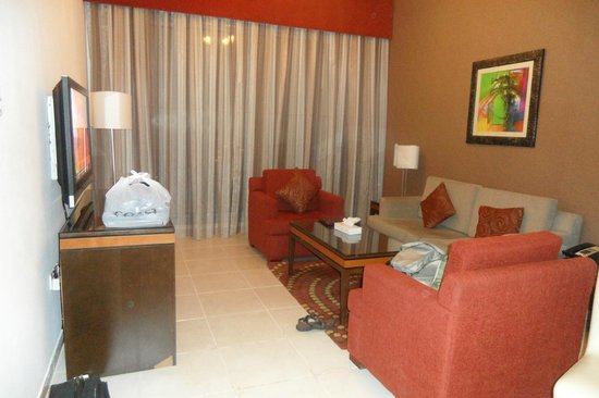 Xclusive Hotel Apartments: Living Room