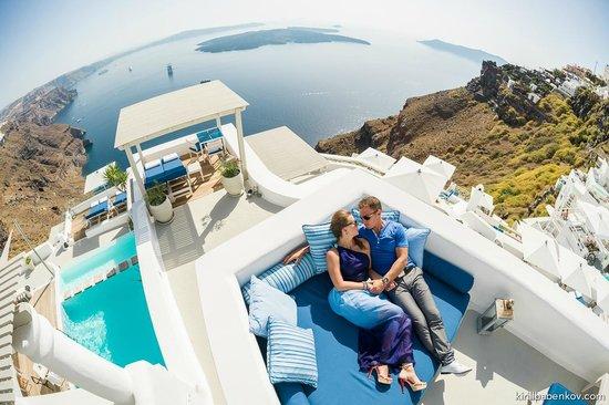 Iconic Santorini, a boutique cave hotel: зона для отдыха