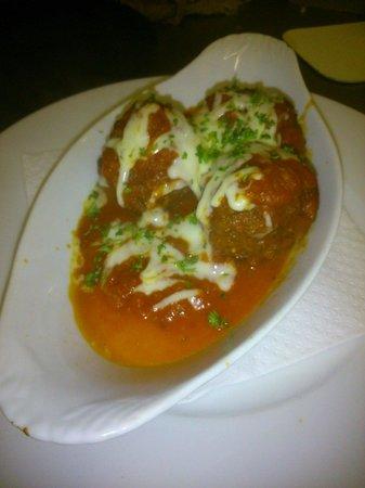 Devitas Pizzeria & Cafe: Homemade meatballs