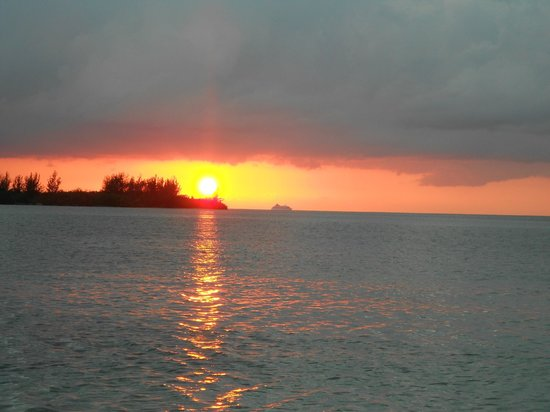 Sandals Royal Caribbean Resort and Private Island: Sunset
