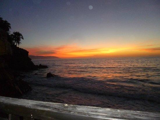 Hyatt Ziva Puerto Vallarta: A typical sunset.