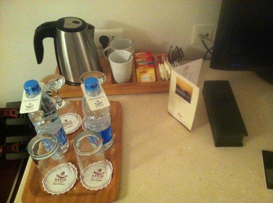 Baron Resort Sharm El Sheikh: Чай и вода