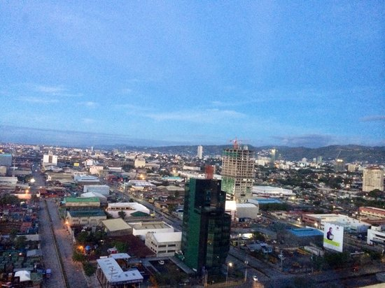 Radisson Blu Cebu: View of Cebu city from radisson blu