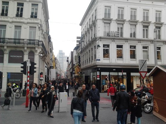 City Sightseeing Brussels: SHoppiong street