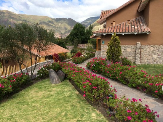Casa Andina Premium Valle Sagrado Hotel & Villas: View from landscaped grounds