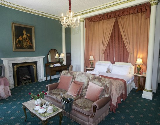 Hartforth Hall Hotel: Superior bedroom