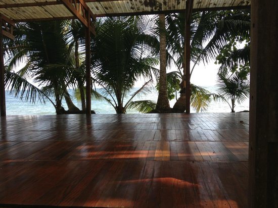 Playa Nicuesa Rainforest Lodge: Yoga Deck