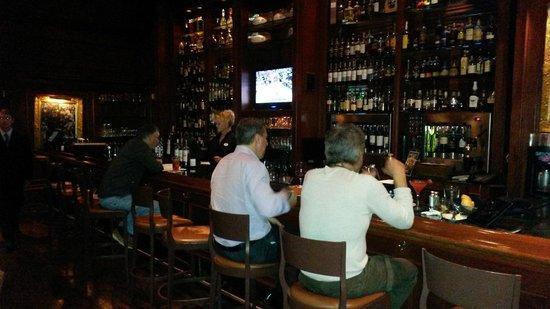 Hilton Naples: Bar