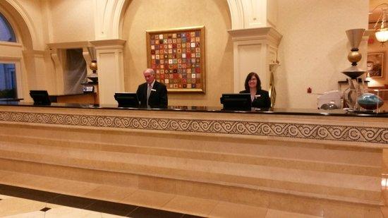 Hilton Naples: Rezeption