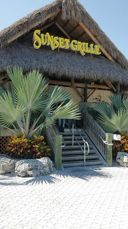 Sunset Grille and Raw Bar: entrance
