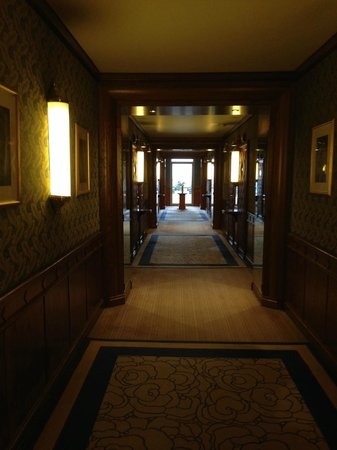 Domaine de Divonne : Hallway