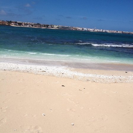 Suite Hotel Atlantis Fuerteventura Resort : Beautiful beach - 5 minute walk from hotel