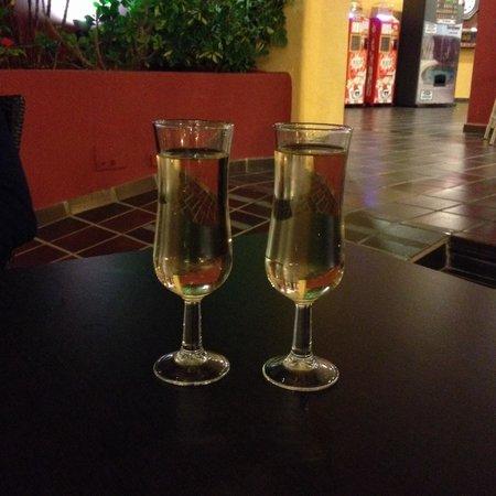Suite Hotel Atlantis Fuerteventura Resort: Cava - All inclusive