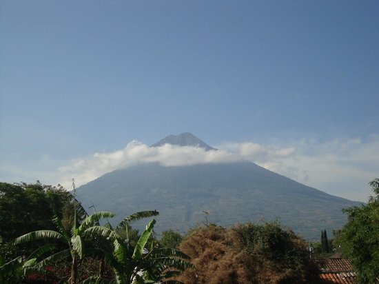 Meson Panza Verde: Volcano View from Grand Suite Room