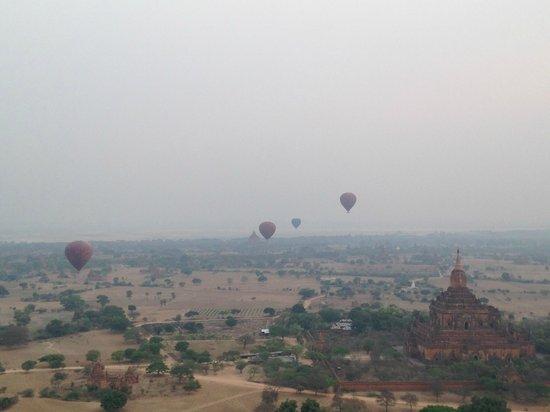 Balloons over Bagan: Flight