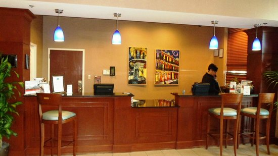 Staybridge Suites New Orleans: front desk