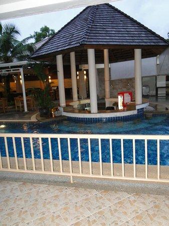 PGS Casa Del Sol Hotel: Бассейн и бар