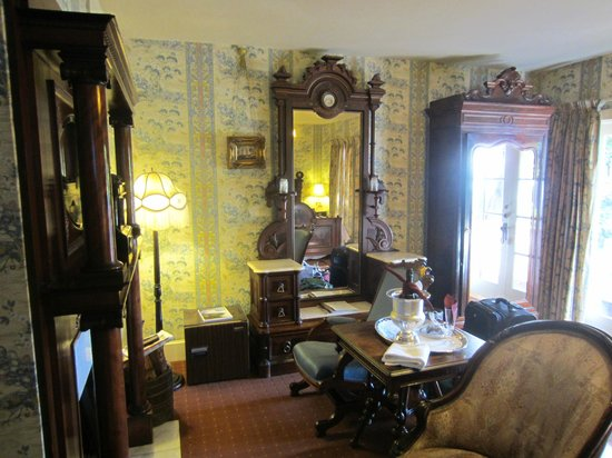 Martine Inn: The mismatched antique furniture in the Captain's Room.