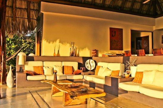Colores del Pacifico: Comfortable saloon