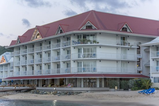 Le Beach Hôtel : hotel from beach