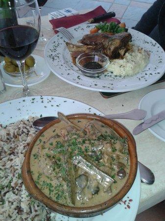 Cala Luna Restaurant: beef strog - lamb shank