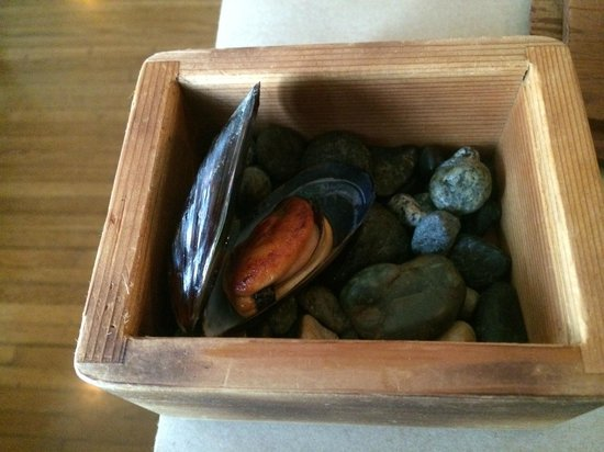 Willows Inn: smoked mussels