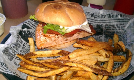 Capt. Juel's Hurricane: Salmon BLT. This sandwich is SO GOOD.