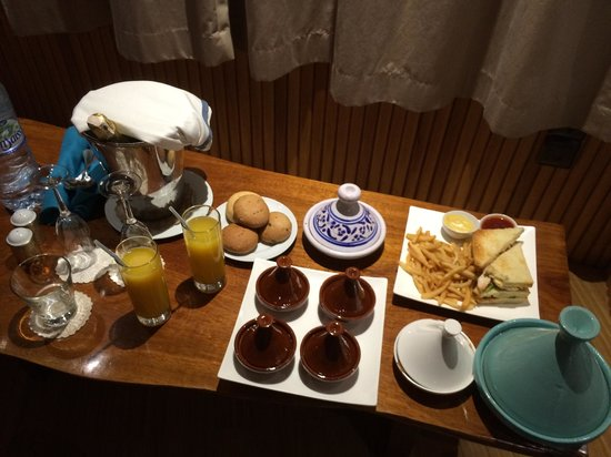 La Sultana Oualidia: In room dining in the Treehouse room