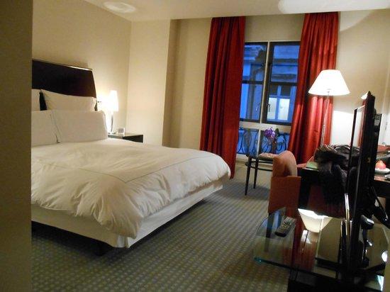 One Aldwych: 一人には適度な広さの部屋