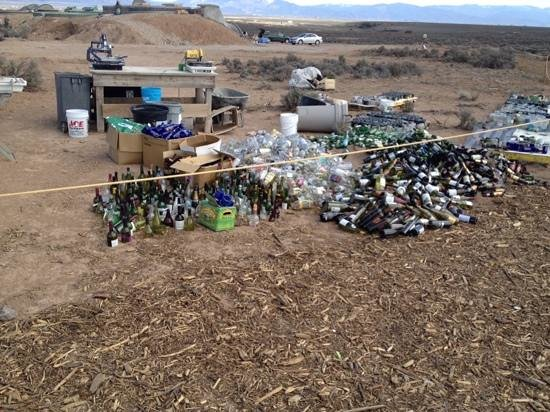 Earthship Biotecture: building materials