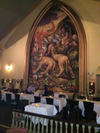 Marsha Brown's : Cool dinning room