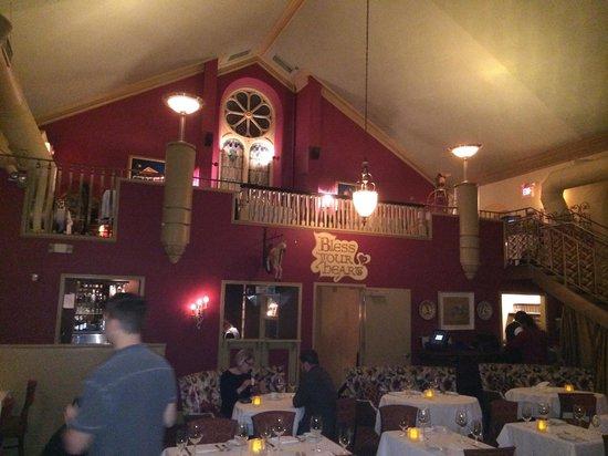 Marsha Brown's : Cool dining room