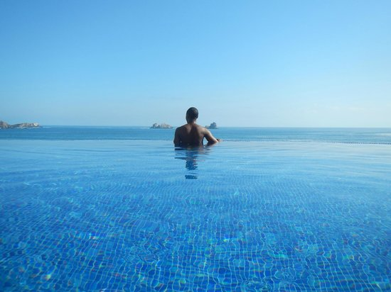 Cala de Mar Resort & Spa Ixtapa: Infinity pool