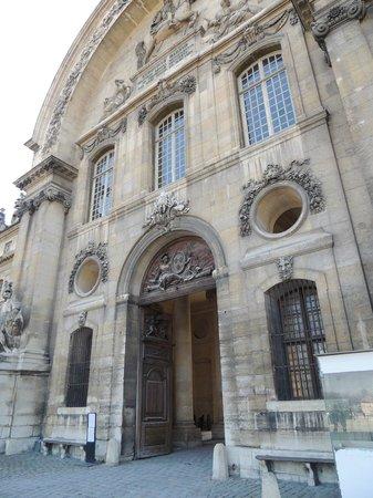 Museo de la Armada: entrance to Invalides