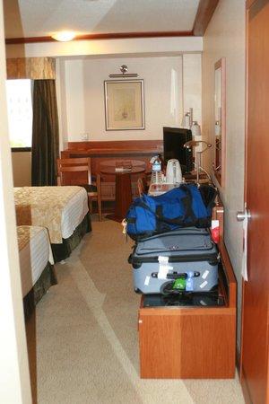Swiss International Palace Hotel: room