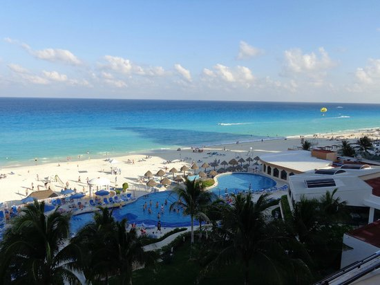 Golden Parnassus All Inclusive Resort & Spa Cancun: View from our balcony...