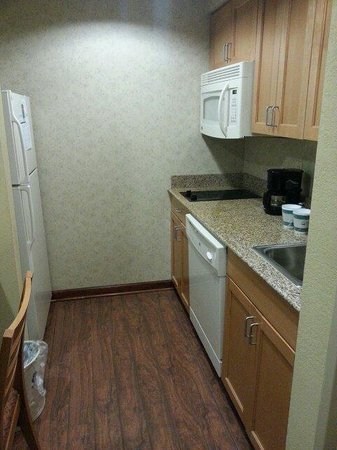 Homewood Suites by Hilton - Greenville: Kitchen