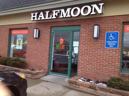 Half Moon Creative Salads: Half Moon entrance