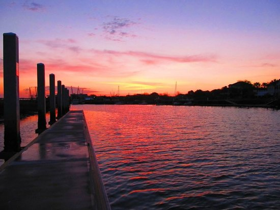 Shem Creek Inn : Shem Creek sunrise