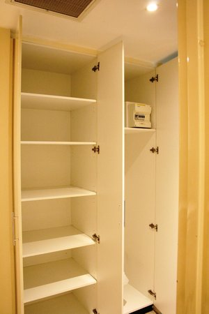 APX Apartments Darling Harbour: Pantry / Storage space