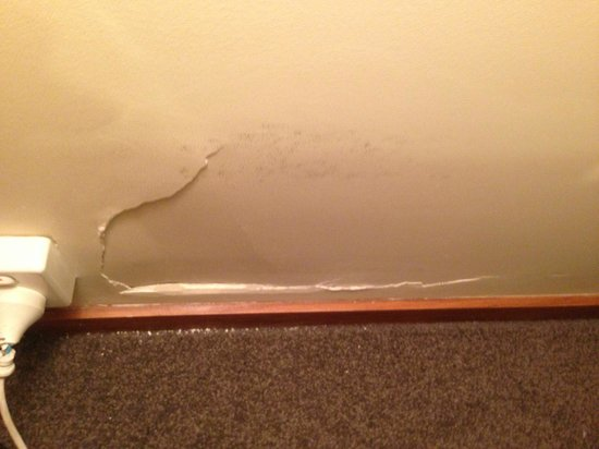 Riccarton mall motel: Damaged Wall