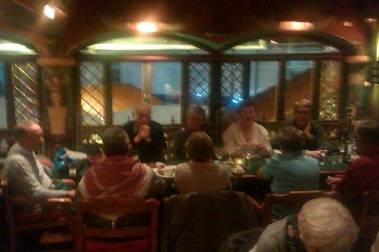 Indio Feliz Restaurant Bistro: grupo feliz