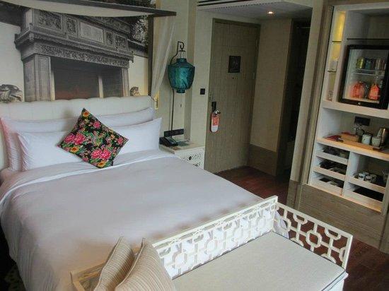 Hotel Indigo Shanghai on the Bund: My room