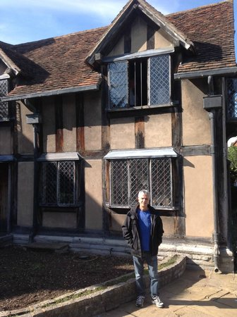 Shakespeare's Birthplace: At Shakespeare's house patio in Stratford-upon-Avon in England