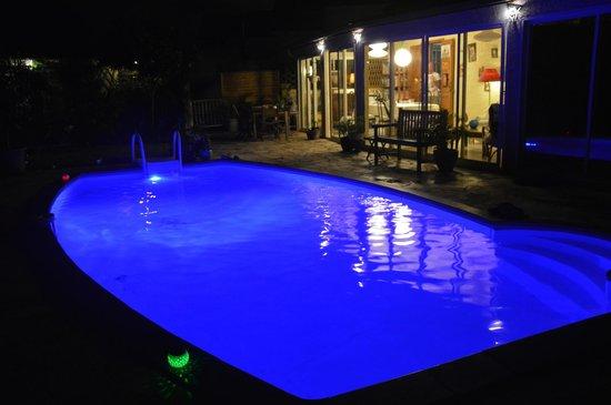 La nuit a la villa blue