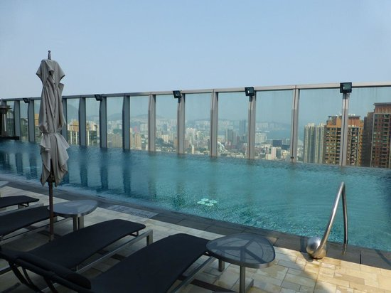 W Hong Kong : City view from the pool