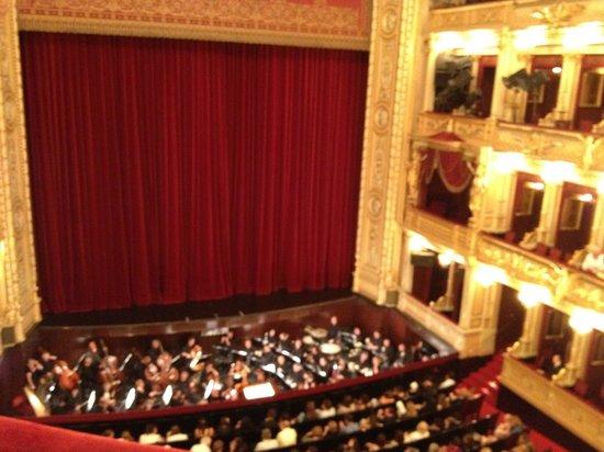 National Theater : Sala de espetáculos.