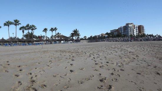 El Cid Marina Beach Hotel : El Cid Marina Beach day time