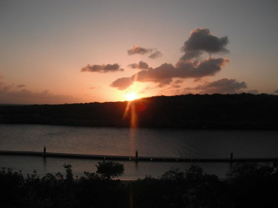 Santa Barbara Beach & Golf Resort, Curacao : Sunset from our room
