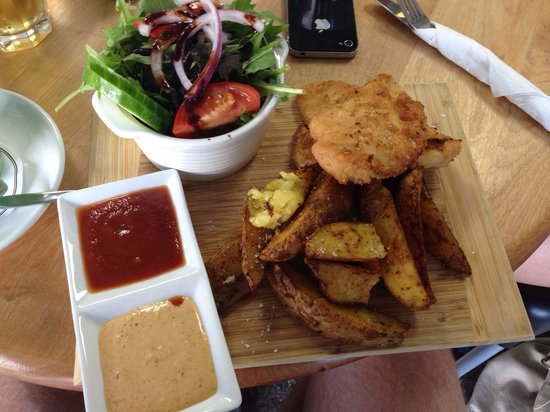 Be Rude Not To Cafe: Chicken schnitty.  Excellent.
